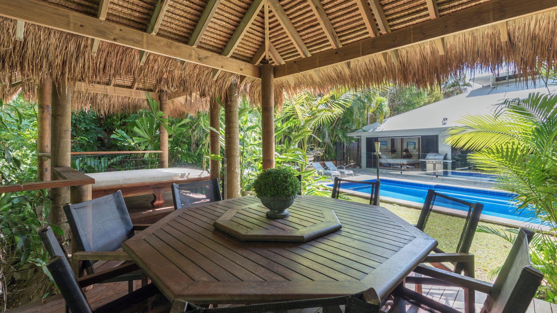 Palm Cove Executive Retreat
